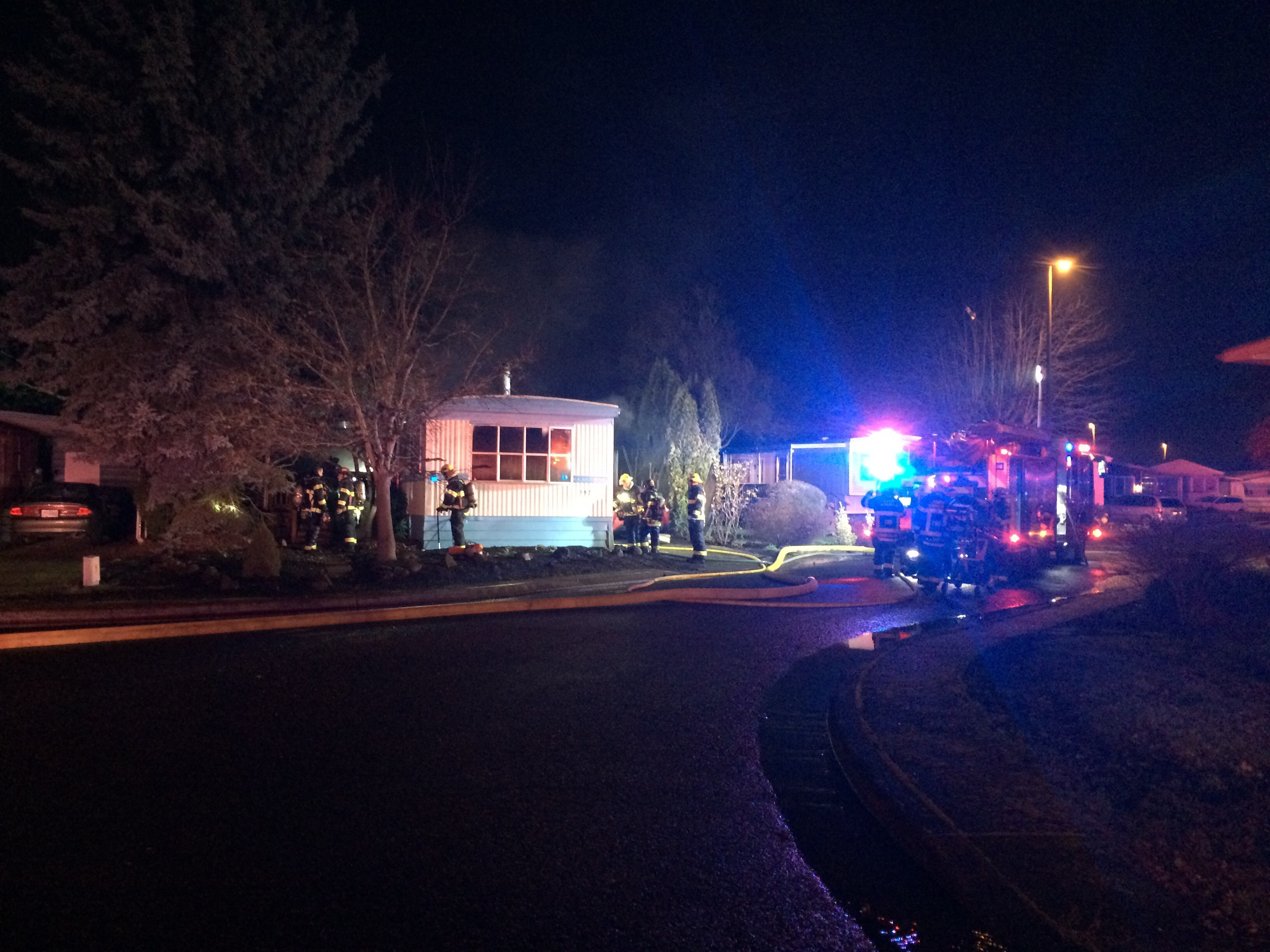 A mobile home fire happened around 9 p.m. at the Daneland Mobile Home Park at 1199 Terry Street in Eugene, Dec. 26, 2017. (SBG)
