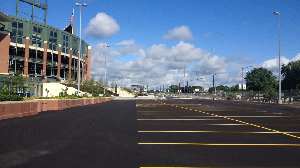 Lambeau Field's Harlan Plaza to be rededicated Wednesday.
