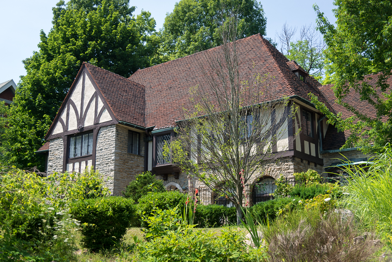 Bella Notte is a 1920s Tudor Mansion in North Avondale. Owner Michael Caporale uses three of the house's rooms for Airbnb rentals, and provides home-cooked breakfast for his overnight guests. / Image: Phil Armstrong, Cincinnati Refined // Published: 7.16.18