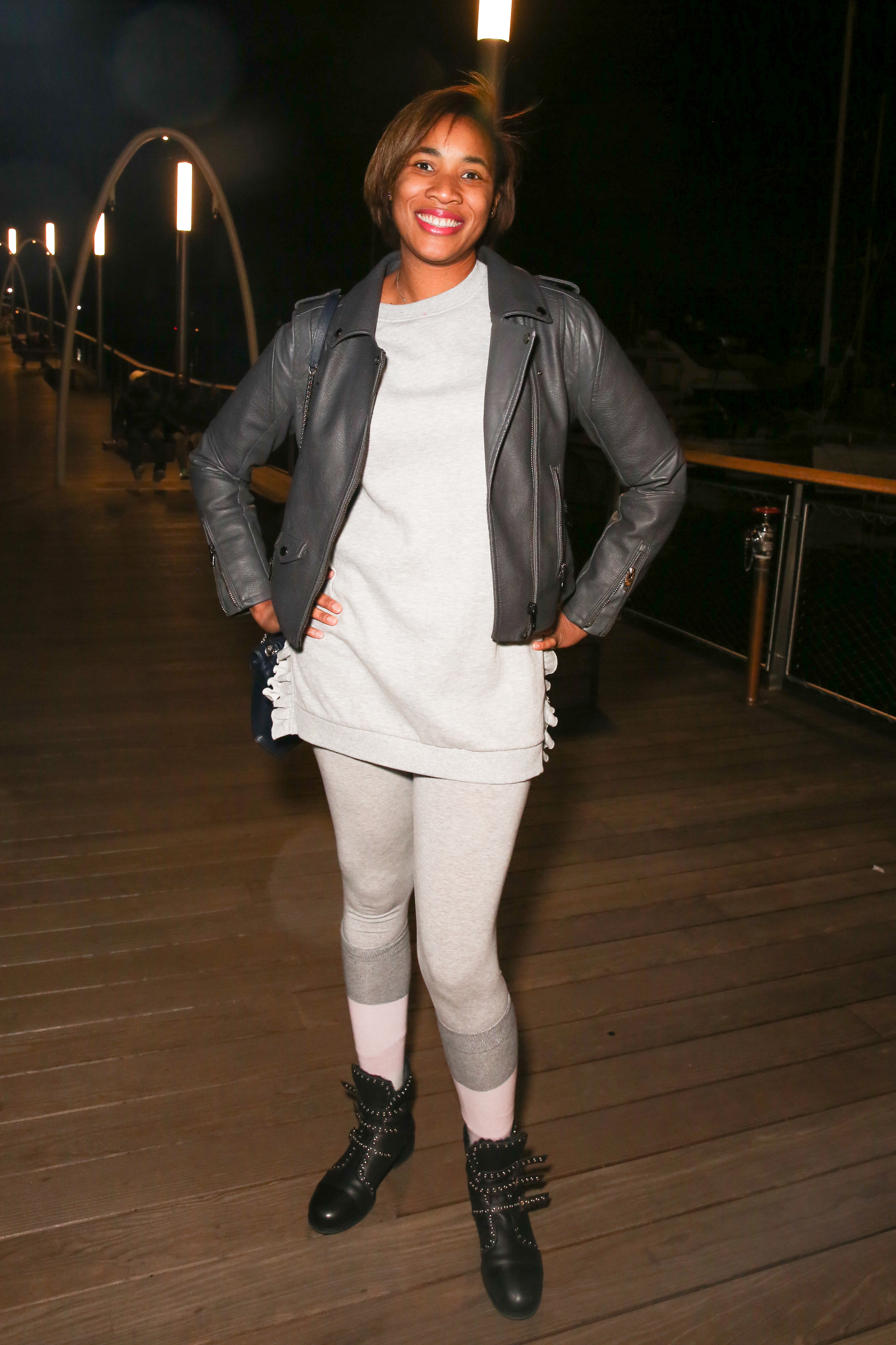 Sherise Perry's grey leggings are ultra street-wear.{&nbsp;}(Amanda Andrade-Rhoades/DC Refined)<p></p>