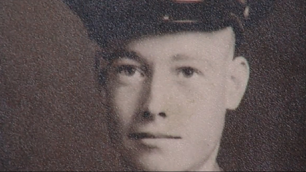 WWII veteran Russell Pickett tells his story of crashing