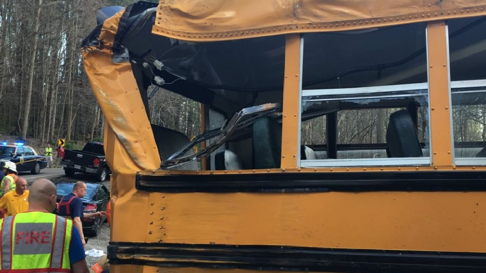 Buckeye Local bus crashes near West Liberty   WTOV