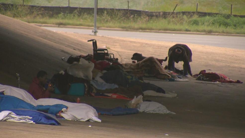 Gov  Abbott calls Austin homeless policy 'reckless,' President Trump