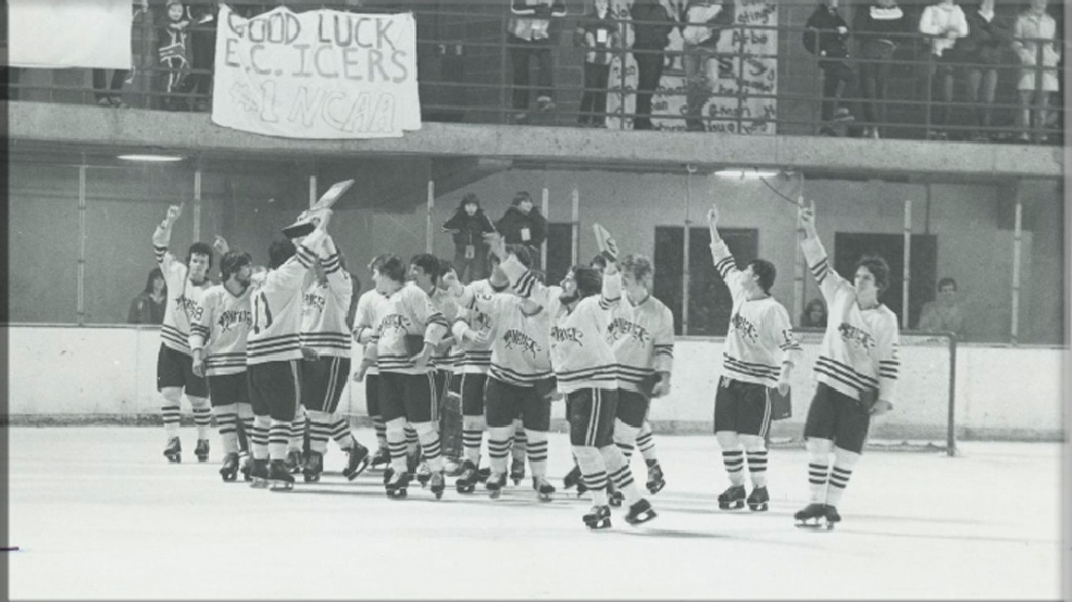 Mankato State's hockey team celebrates a 5-2 victory against Elmira College to win the 1980 NCAA Division II championship in Elmira, N.Y. This photo originally appeared in the Mankato State University Reporter on March 27, 1980. (Courtesy Minnesota State University, Mankato Archives Digital Collection)