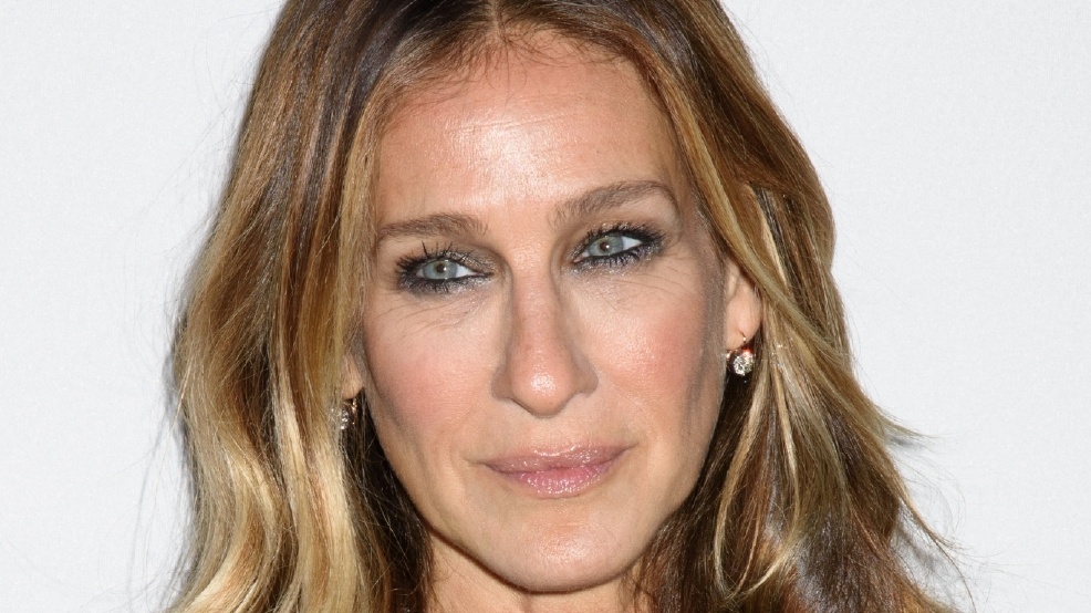 Sarah Jessica Parker and Emily Blunt to perform Broadway tunes for Clinton fundraiser