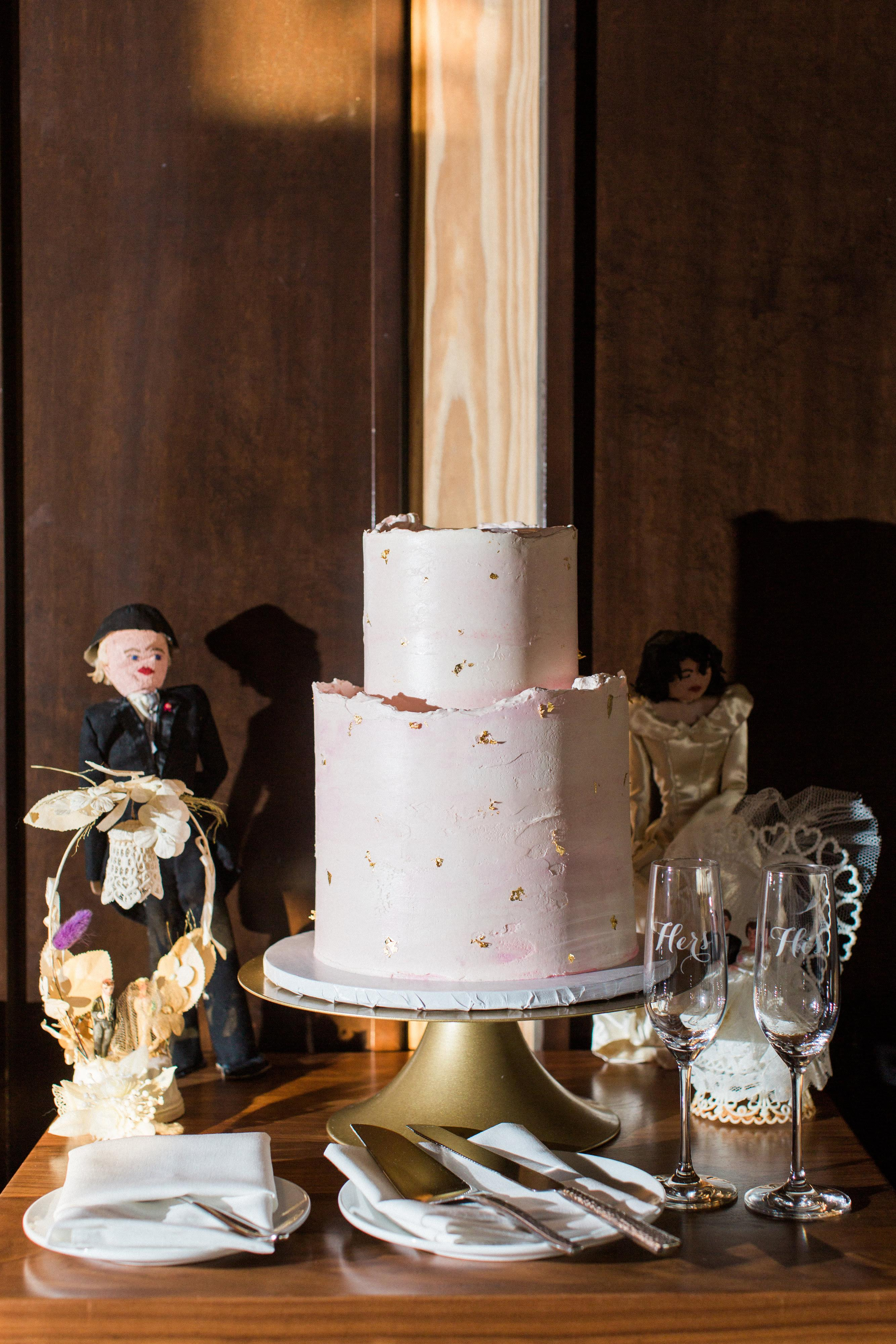 Cake Baker: Buttercream Bakery (Image: Birds of a Feather Photography/{ }http://birdsofafeatherphotos.com){ }