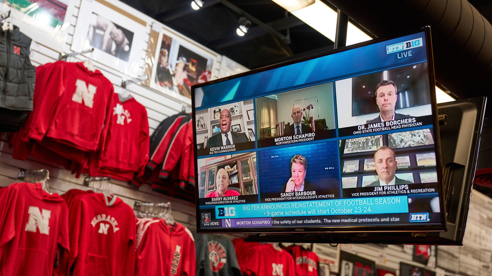 With Big Ten reversal, Trump aims to score in battlegrounds