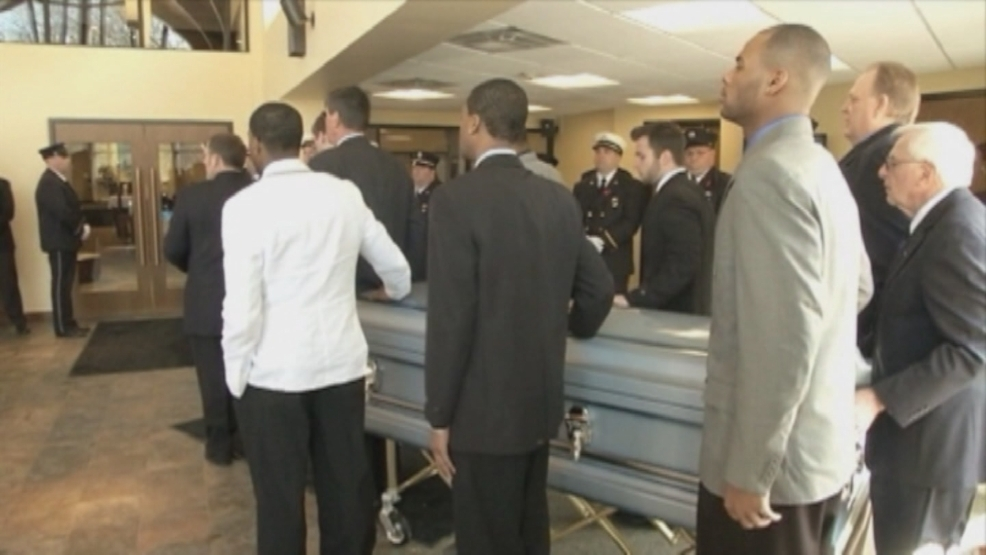 College students travel to New York funeral