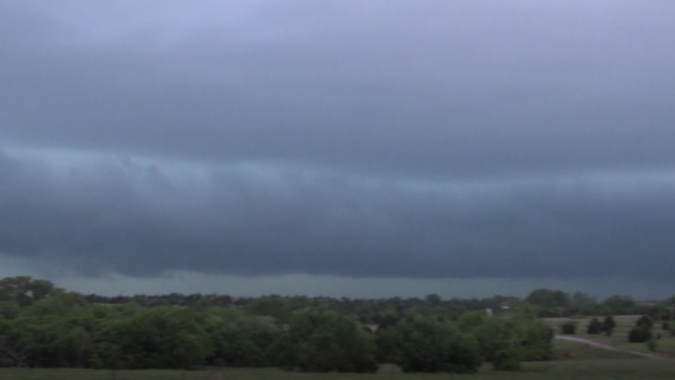 Inside the Storm: Severe thunderstorm pushes through Grady County, Oklahoma