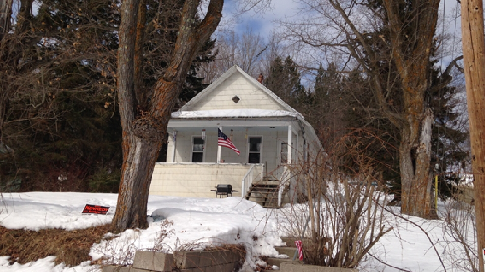 Six people were arrested at this home in Wabeno on Wednesday, March 12, 2014. (WLUK/Todd Berry)