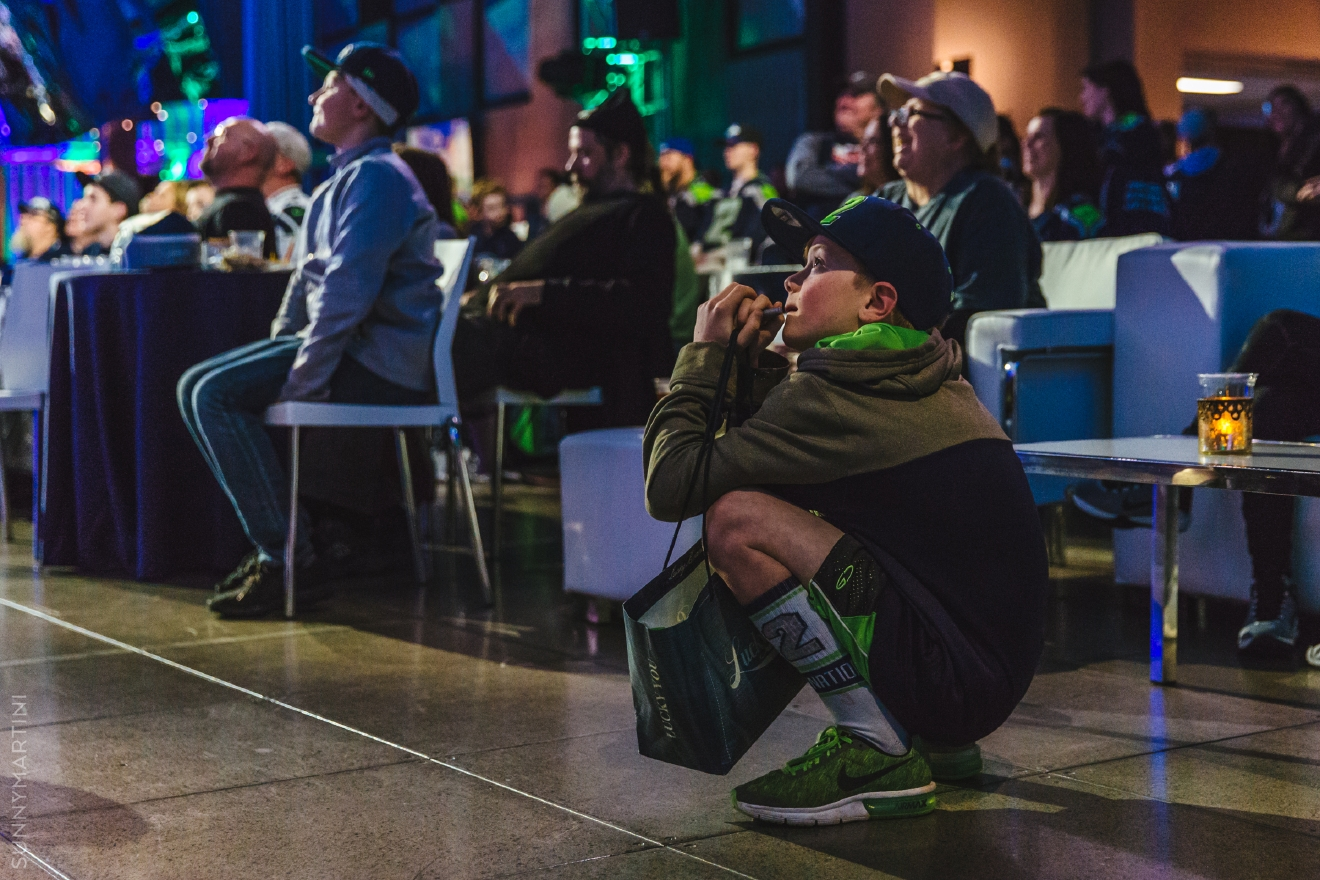 Finalists from all over the U.S. competed for over $15,000 in prizes at the eSports event in the Sky Church at MoPOP last night, during the annual Madden 17 Championship. Along with the finalists, Seahawks WR Doug Baldwin challenged legend Jordan Babineaux to a game! Though it was tight the entire time, Baldwin pulled ahead for the win! (Image: Sunita Martini / Seattle Refined)