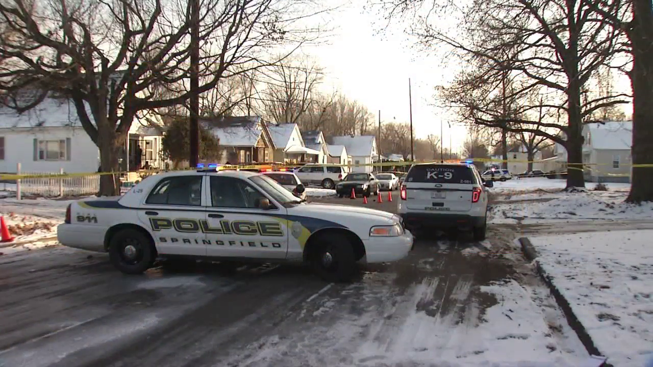 Springfield Police respond to reported S. 16th Street shooting (WICS)
