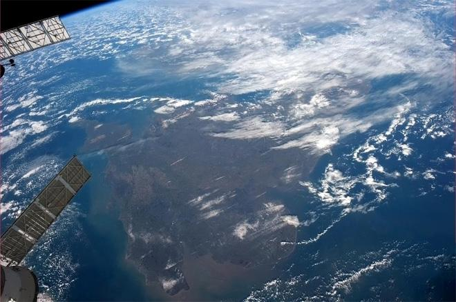 The southern UK, as-seen from the ISS.  (Photo & Caption: Col. Chris Hadfield, NASA)