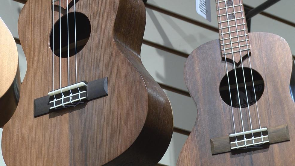 Northern Michigan Ukuleles Strike A Chord With Customers Wpbn