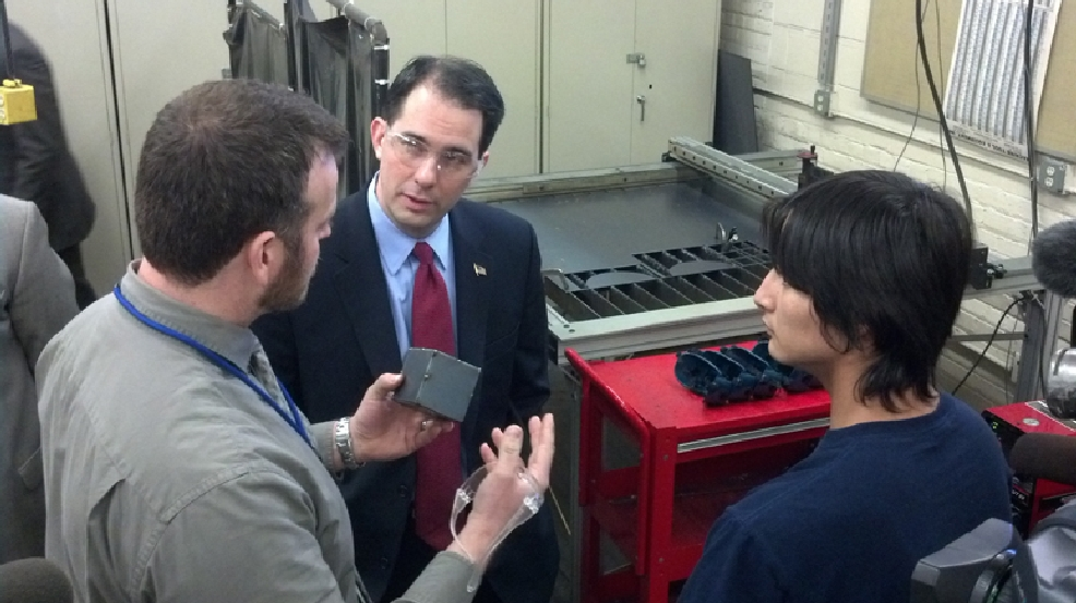Gov. Scott Walker visits the Bay Link Manufacturing lab at Green Bay West High School, Monday, March 3, 2014. (WLUK/Andrew LaCombe)