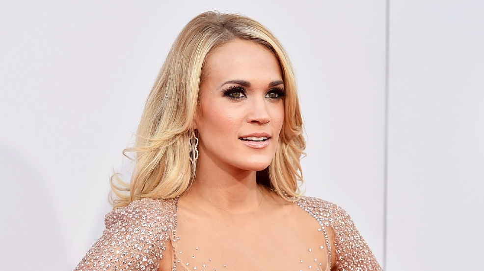 Carrie Underwood shares first full photo of face  Fox News