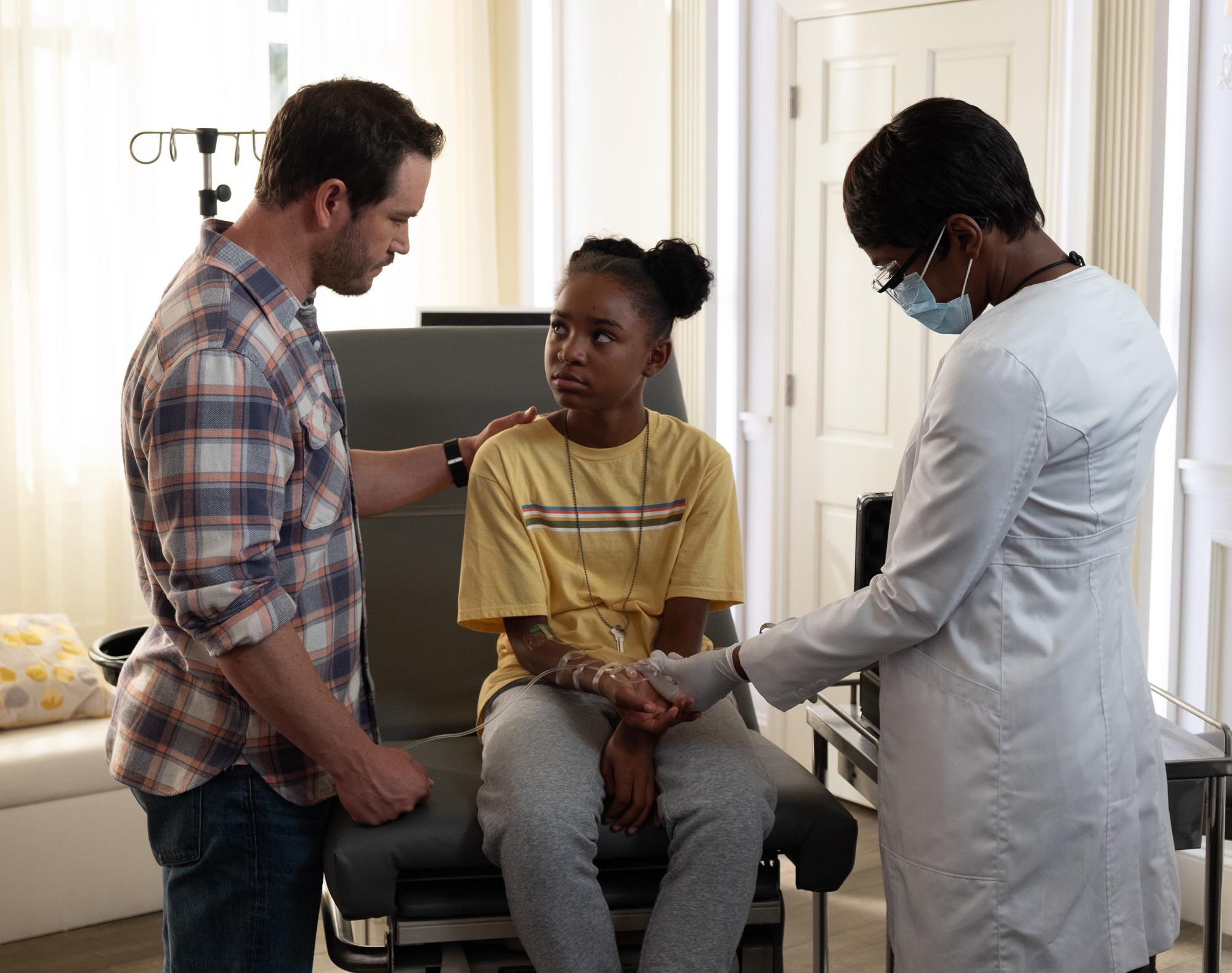 "Mark-Paul Gosselaar, Saniyya Sidney and Caroline Chikezie in the ""That Never Should Have Happened To You"" episode of ""The Passage"" which aired Monday, Jan. 28 on FOX 53. (Photo courtesy: © 2019 FOX Broadcasting.  Cr: Erika Doss / FOX)"