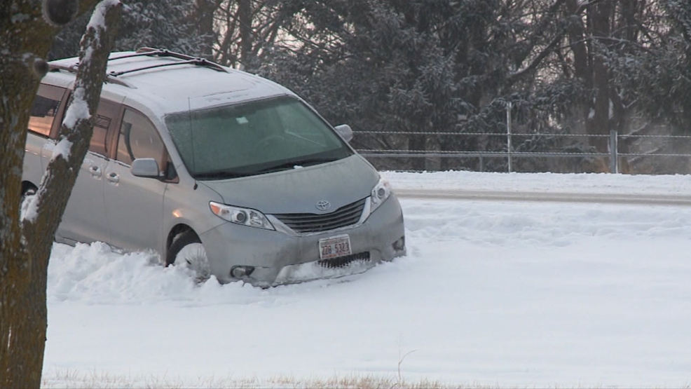 Snowfall Causes Dangerous Conditions on Iowa Roads