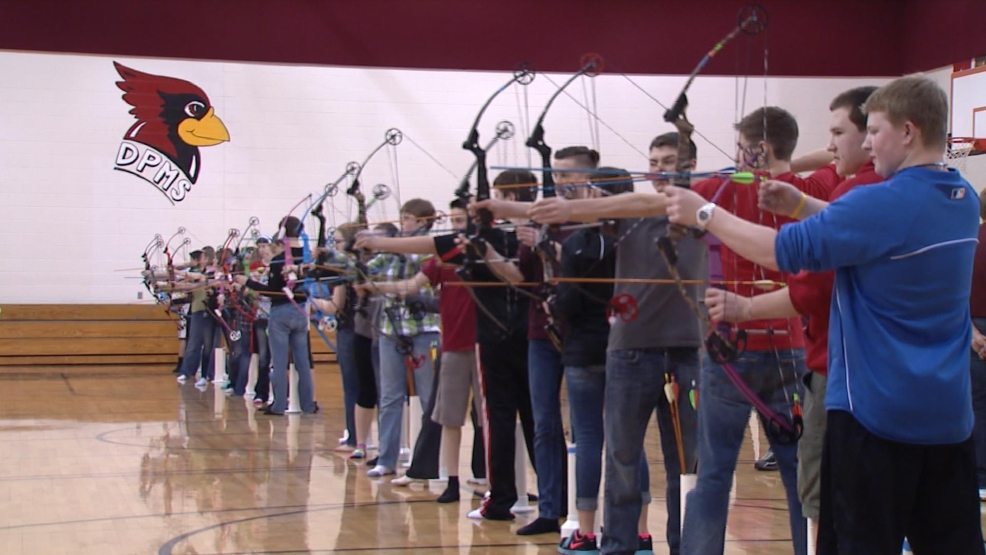 De Pere middle school archers take aim at a practice on Tuesday, April 8, 2014. (WLUK)