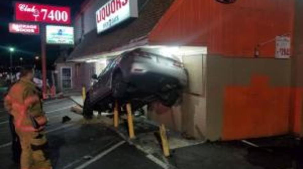 Car crashes into Rosedale liquor store, building temporarily condemned