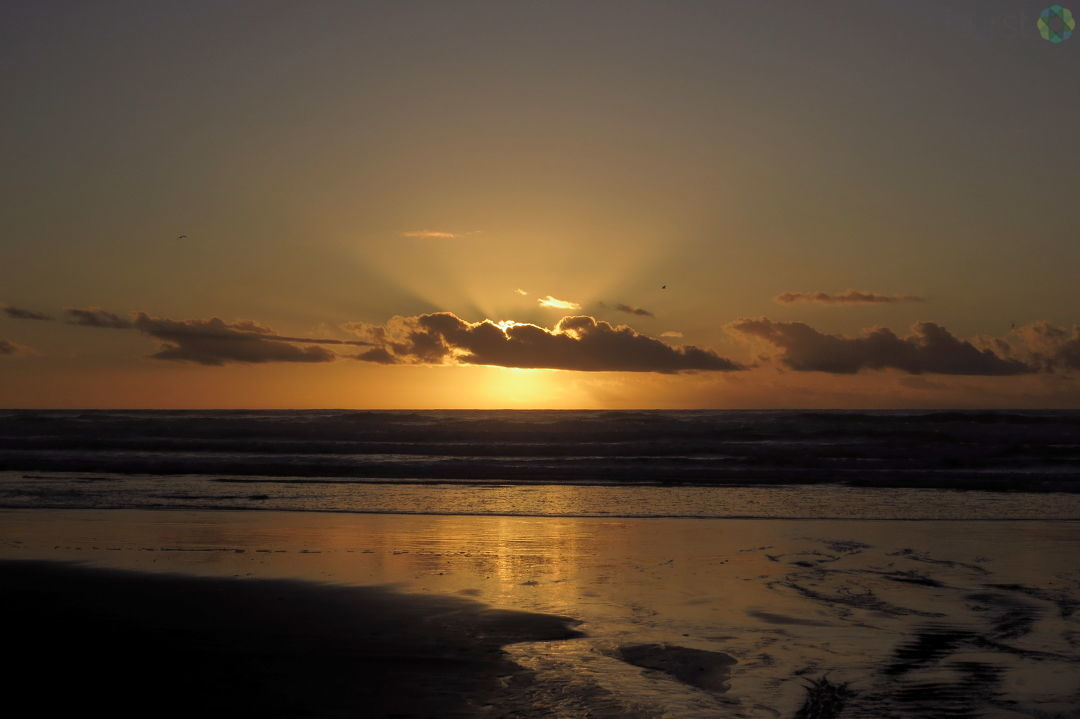 Debbie Tegtmeier shared photos of the sunset on the Oregon Coast on Friday, October 13, 2017, via BURST.com/KVAL