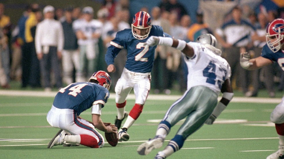 Steve Christie of the Buffalo Bills sets a Super Bowl record with a 54-yard field goal against the Dallas Cowboys in Super Bowl XXVIII at the Georgia Dome on Jan. 30, 1994 in Atlanta. The Cowboys won, 30-13. (Photo by George Rose/Getty Images)