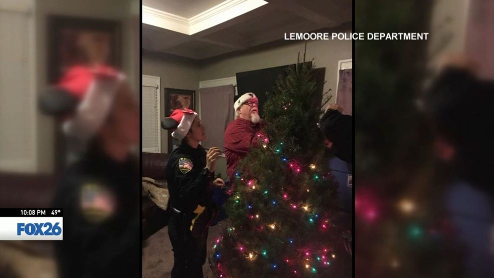 Lemoore police deliver Christmas cheer | KMPH