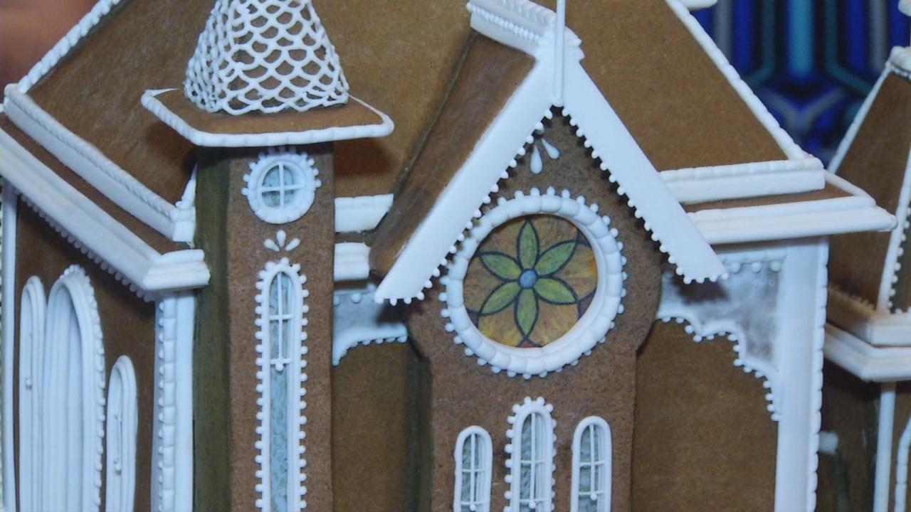 Omni grove park inn hosts annual gingerbread house for Grove park house