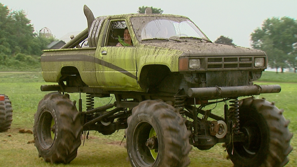 MONSTER TRUCK WEDDING-PKG