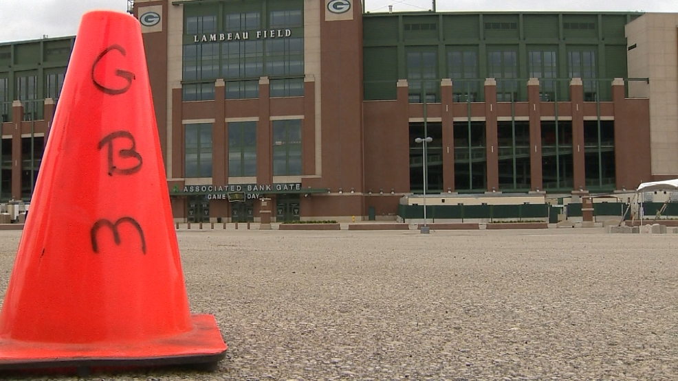 Runners and spectators will have less parking at Lambeau due to construction