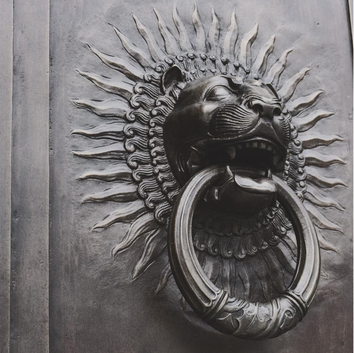 D.C. is gorgeous down to the details. (Image via @susan_grace_)