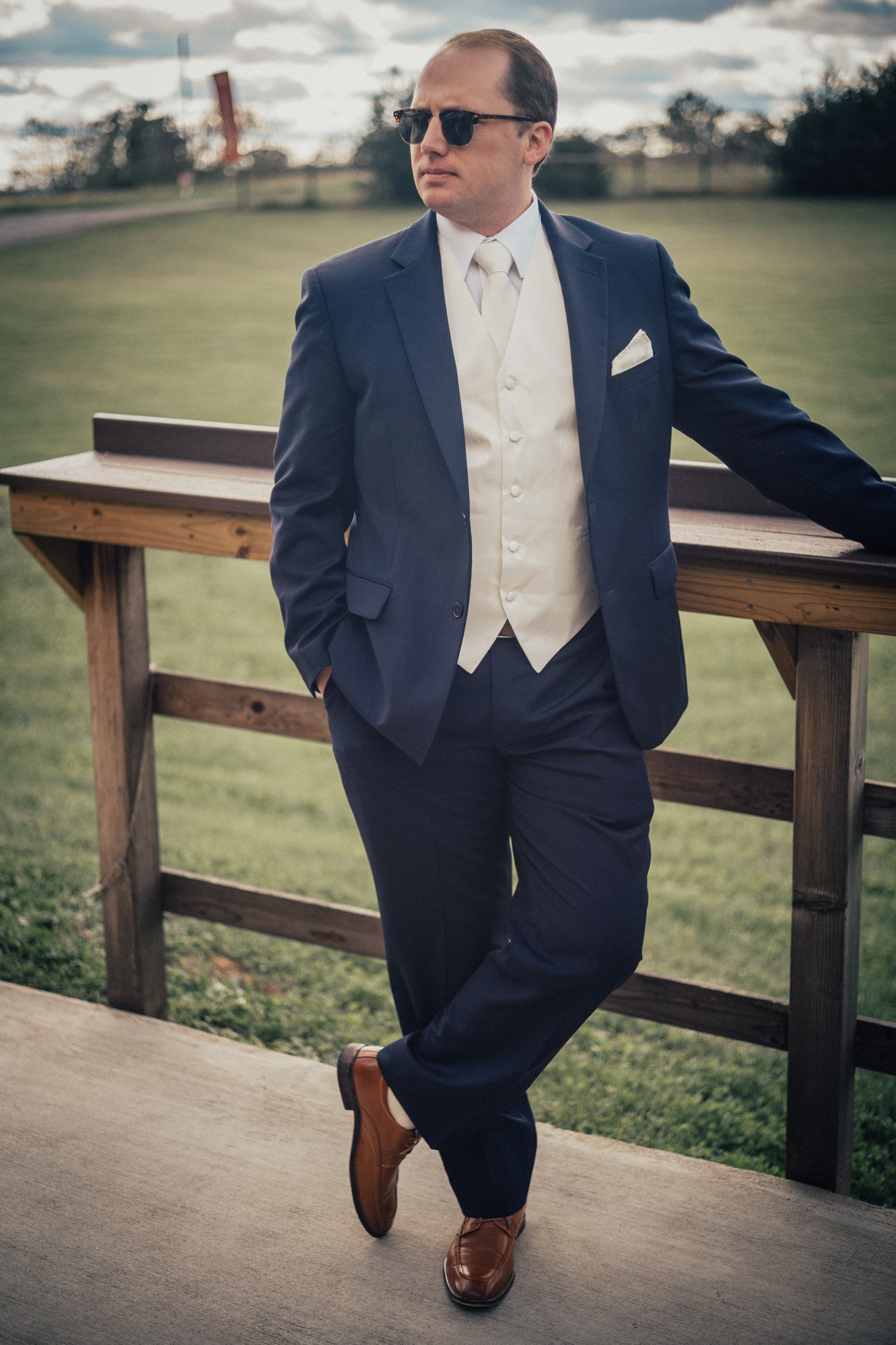 Groom's Tux: Pronto Uomo (Image:{ }Cecilie Olaussen Photography)