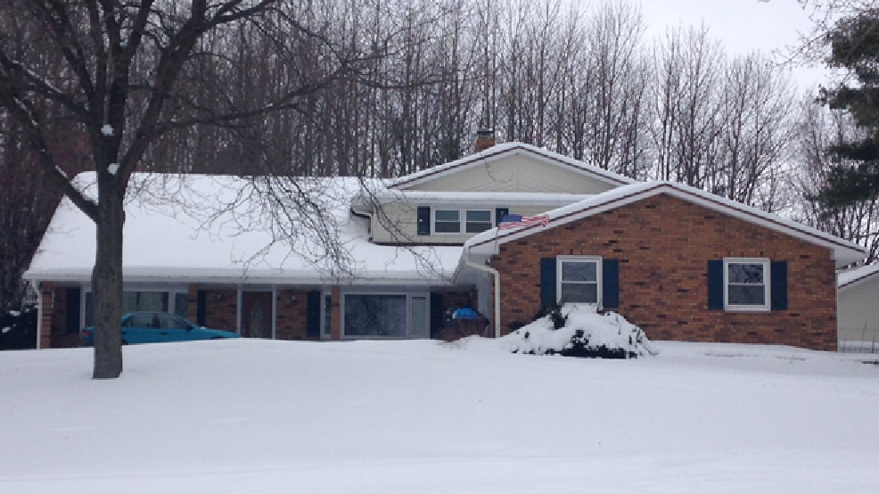 Brown Co. sheriff's officials say they are investigating a fight at this Howard home that landed two people in the hospital, Feb. 8, 2014. (WLUK/Gabrielle Mays)