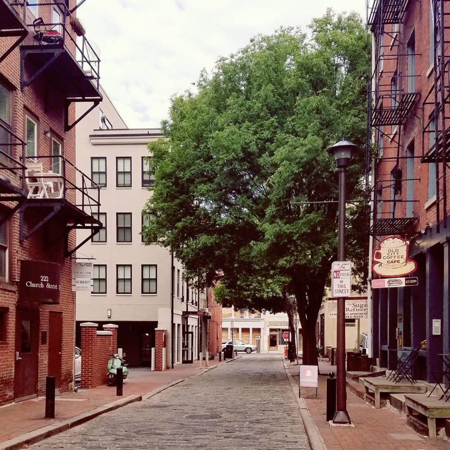 PLACE: Old City, Philadelphia / MILES FROM CINCY: 568 / ABOUT: Three beautiful neighborhoods make up Philadelphia's eastern riverfront: Old City, Society Hill, and Queen Village. If you haven't visited them, do it. They make Philadelphia one of the coolest cities in the country. / IImage courtesy of Instagram user @mm.clermont // Published: 5.14.17