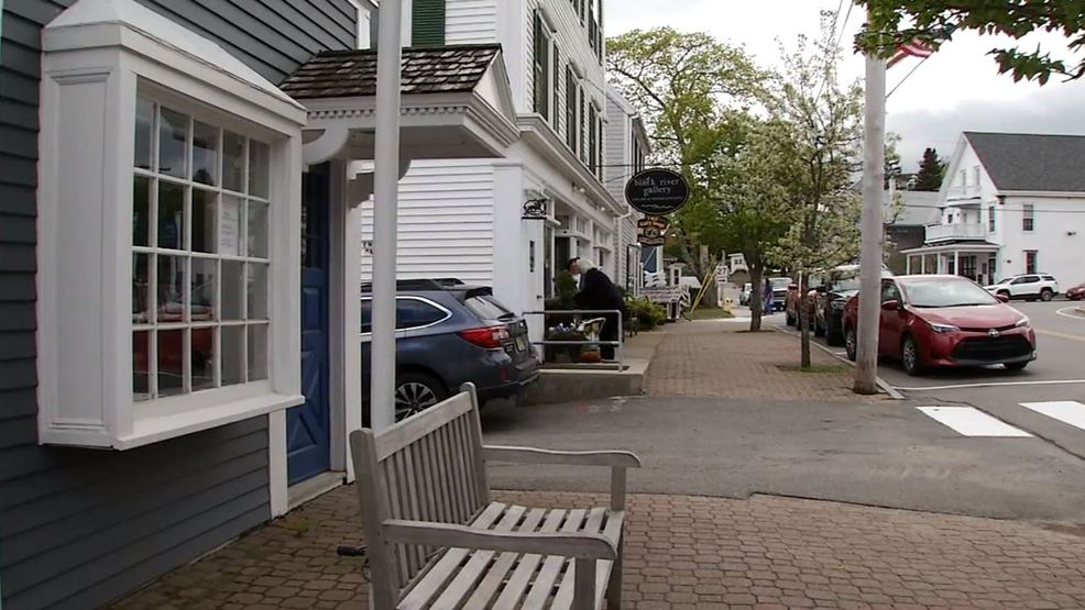 Maine's seasonal businesses still struggling to find workers