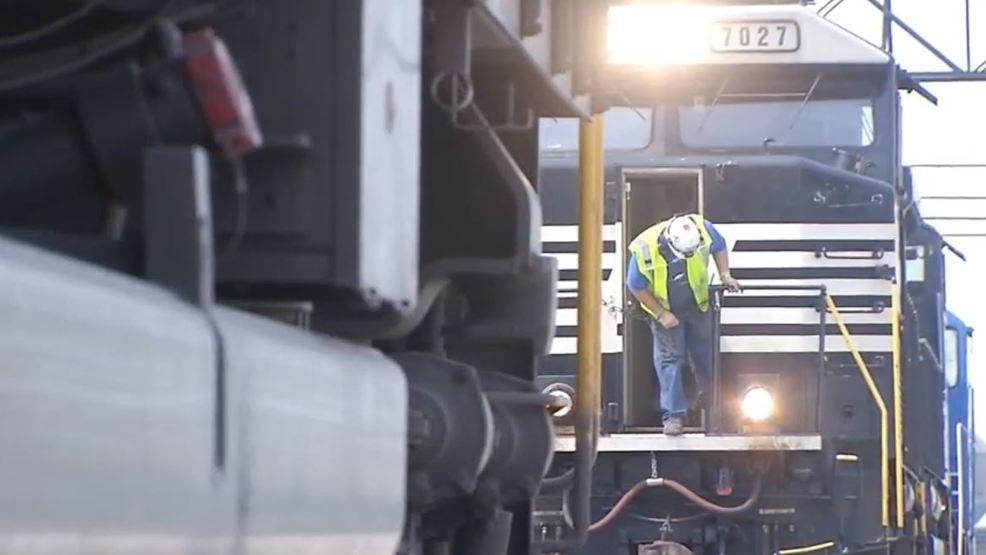 Norfolk Southern looking to fill 30 train conductor positions | WRSP