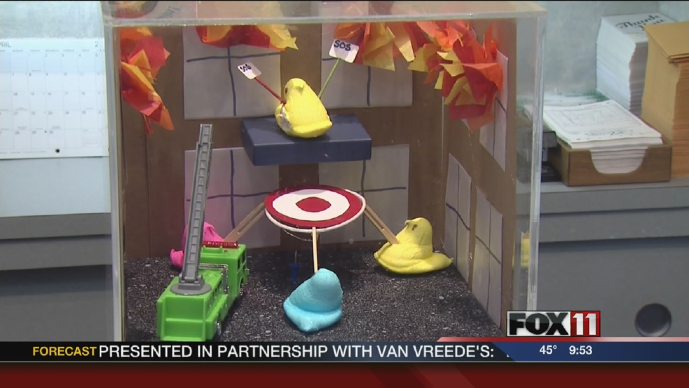 "Downtown businesses offer visitors a ""peep"" at their stores."