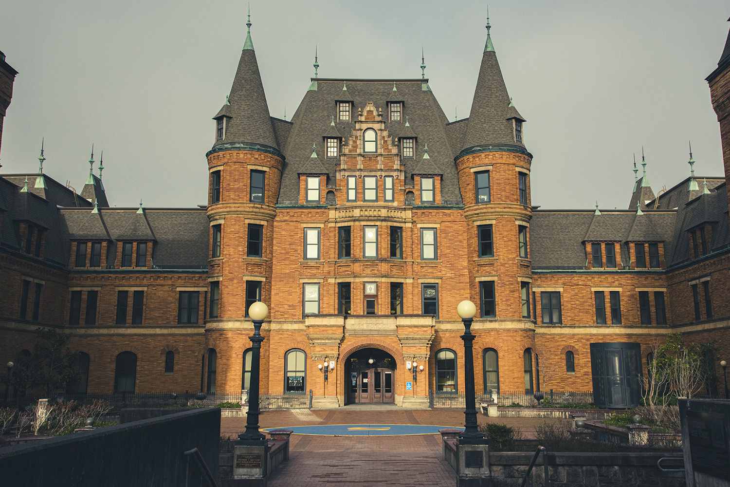 Castle curious after binge-watching Bridgerton? Visit these six Washington Castles — or book a stay overnight. Stadium High School is not your average high school. It's actually one of Tacoma's most popular and historic landmarks.{ }(Rachael Jones / Seattle Refined)