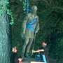 University of Texas removes Confederate statues from campus