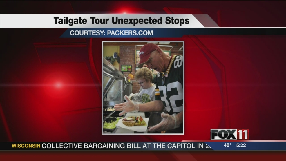 Packers flip burgers at McDonalds during tour