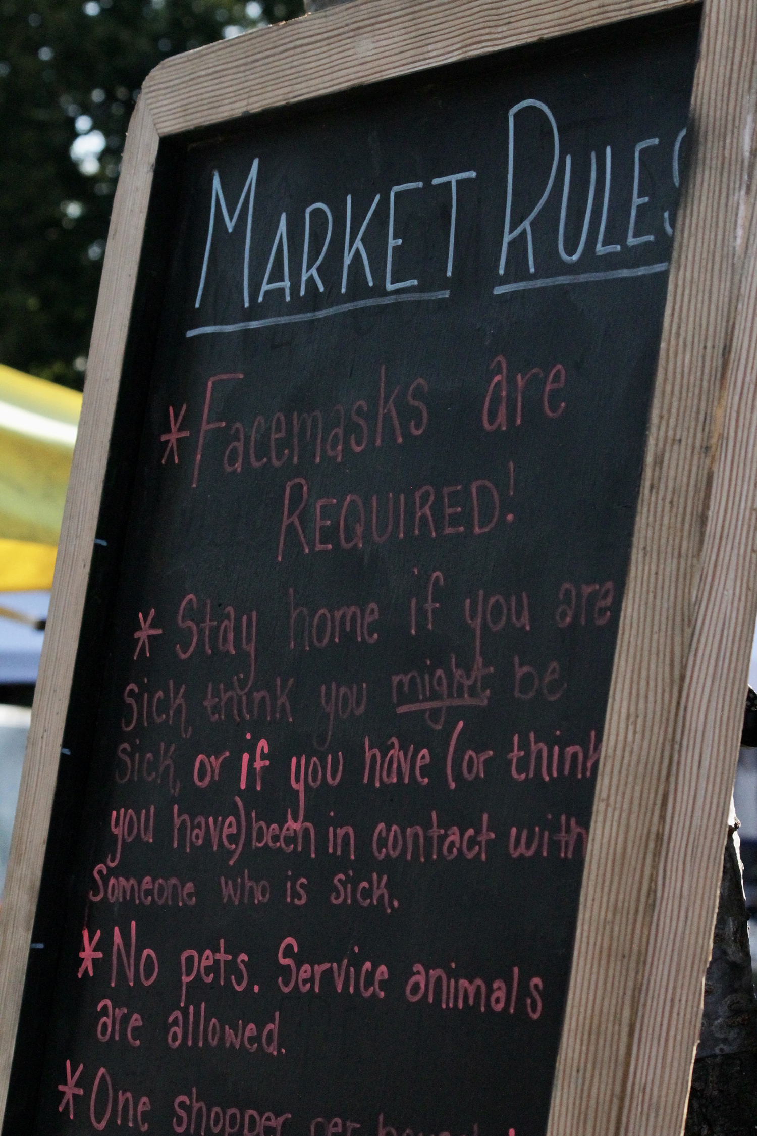 "Seattle's only independent farmers market is still up and running, despite the pandemic - but you if you've gone to the{&nbsp;}<a  href=""https://qafm.org/"" target=""_blank"" title=""https://qafm.org/"">Queen Anne Farmers Market{&nbsp;}</a>in years past, the 2020 version look a LOT different. Still happening Thursdays at 3 p.m. at West Crockett - and still many of the same booths - but that's about where the similarities stop. The Market has instilled{&nbsp;}<a  href=""https://qafm.org/covid19"" target=""_blank"" title=""https://qafm.org/covid19"">strict rules</a>; like only two people allowed per stall, no touching of products, one person per household (no kids if possible), no sampling or activities,{&nbsp;}<a  href=""https://qafm.org/covid19"" target=""_blank"" title=""https://qafm.org/covid19"">and more</a>. When we visited this week, we still saw a pretty busy market - but for the most part those we talked to (shopper and vendors) were appreciative at how most were respecting the rules. (Image: Maile Anderson / Seattle Refined"
