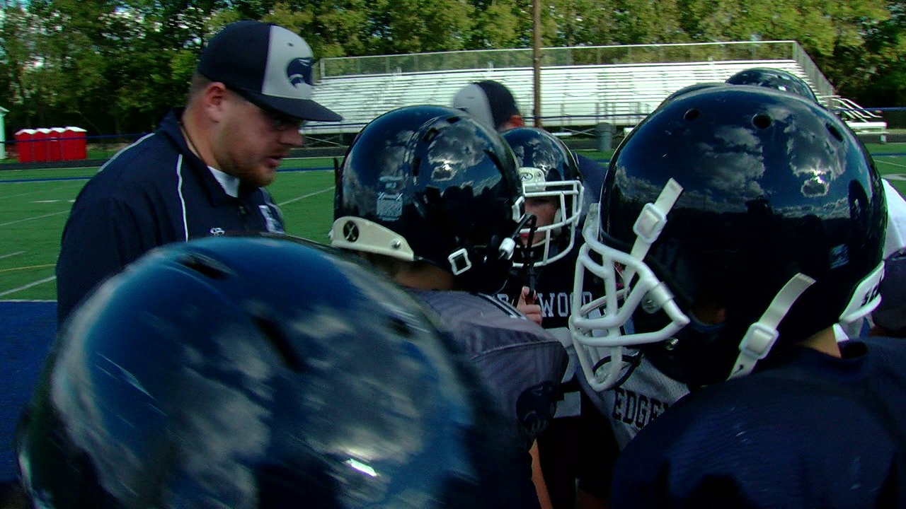 The Edgewood seventh grade football team is 7-0 on the season (WKRC)