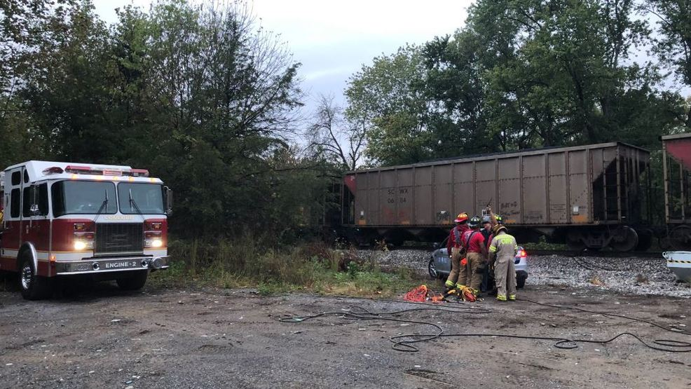 Police: Pedestrian dies after being hit by train in Campbell Co.