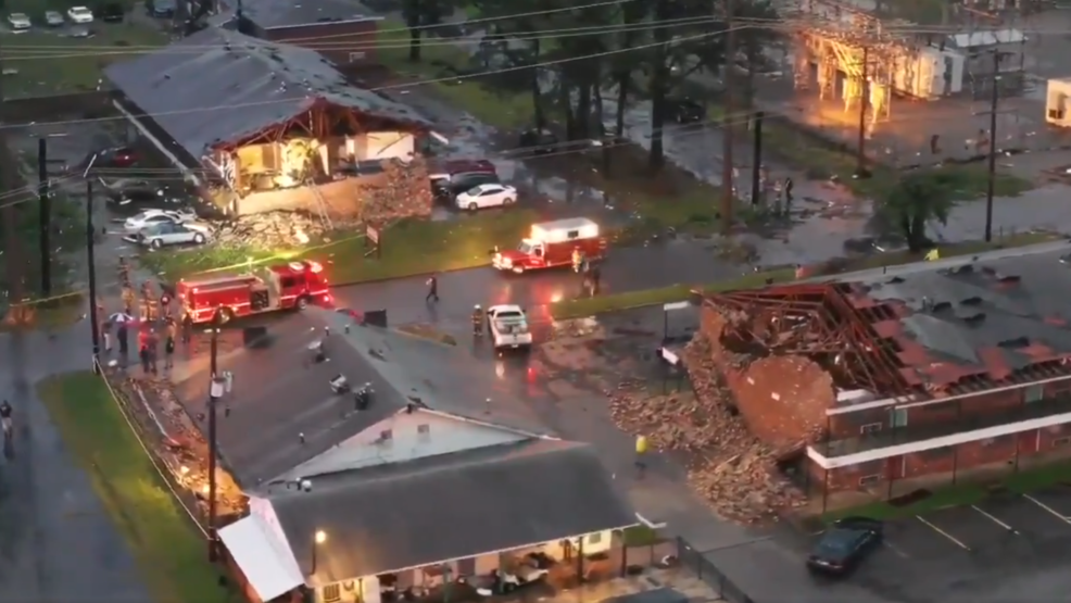 Possible tornado causes injuries, damage in Pine Bluff | WPEC