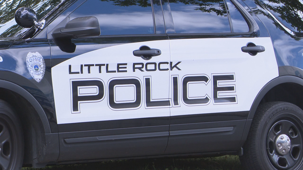 Family Dollar store robbed at gunpoint in Little Rock