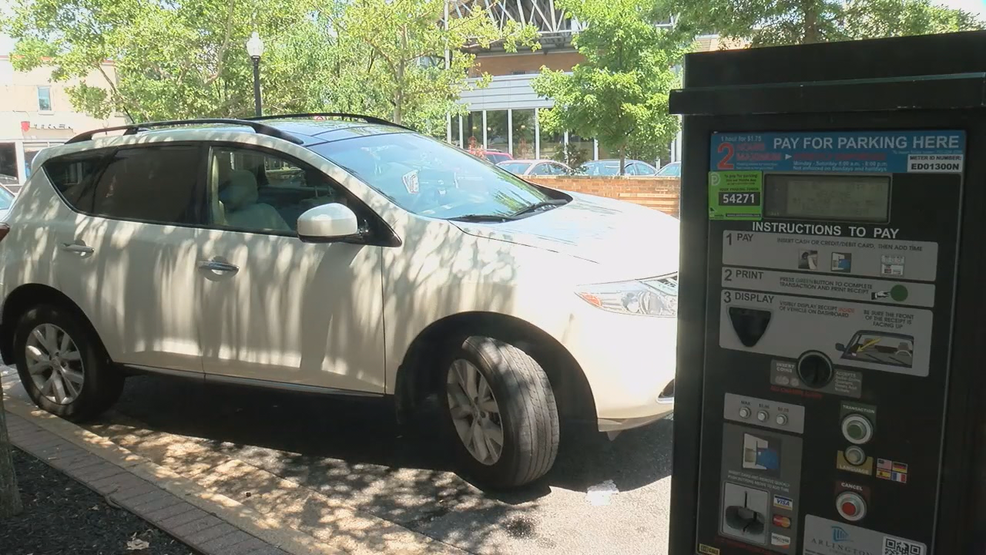 New rules, rates take effect for Arlington parking meters | WJLA on