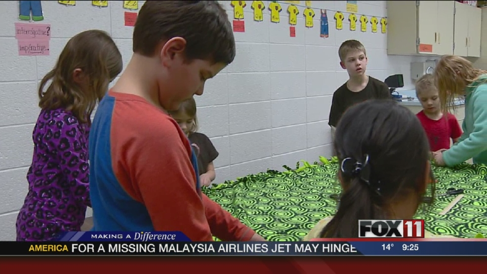 Tigerton students tackle blanket project