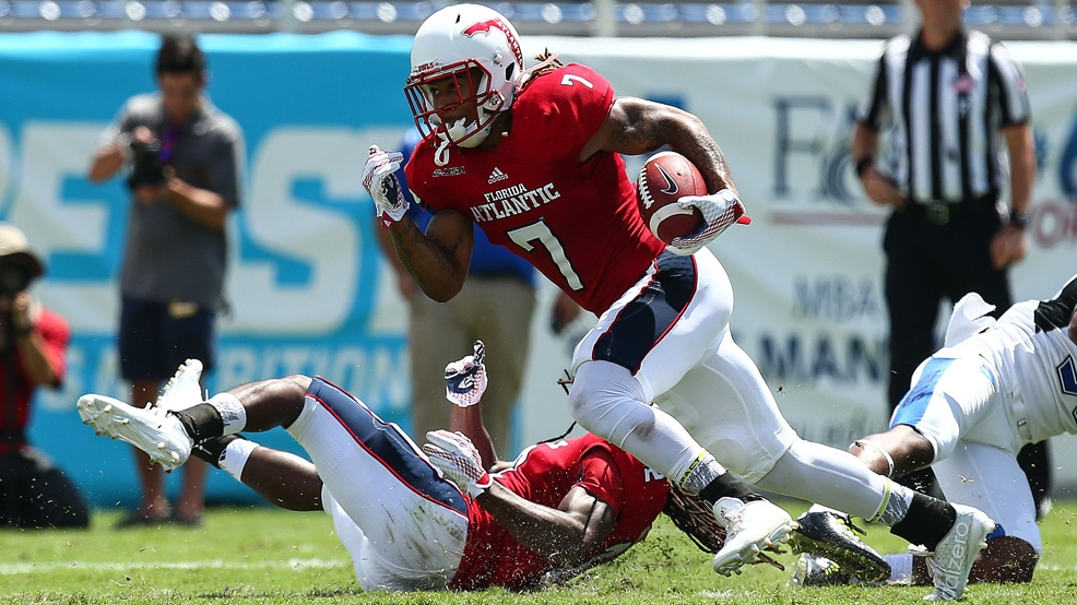 Florida Atlantic's Cre'von LeBlanc in action against the Buffalo Bulls at FAU Stadium on Sept. 19, 2015 in Boca Raton, Fla. (Photo by Rob Foldy/Getty Images)