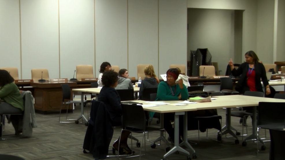 Ecot Help Desk   Tps Holds Meeting To Help Ecot Students Enroll Easier Wnwo