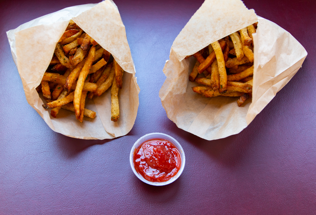 <p>Zesty za'atar fries go great with habibi sauce or ketchup. Great for sharing... or not. / Image: Elizabeth A. Lowry{&nbsp;}// Published: 6.24.20</p>
